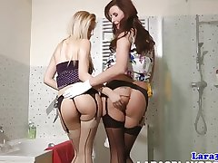 Mature pussylicking auntie in stockings orgasms