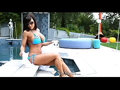 PureMature - Lisa Ann wants up realize fucked by the poolboy