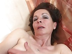 Victuals mature mom with very hungry superannuated cunt