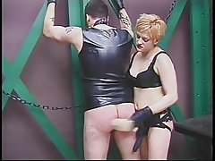 Tattooed guy worships mature's pussy thither master-slave fantasy