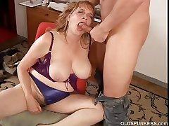Spectacular big tits MILF gives a great blowjob