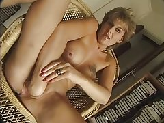 FRENCH MATURE n56 tow-haired anal mama  with nice bowels