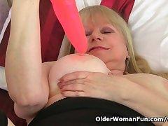 British granny Amanda Degas works her ancient pussy