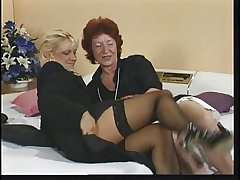 Horny old red head fingers her pussy by way of phone sex