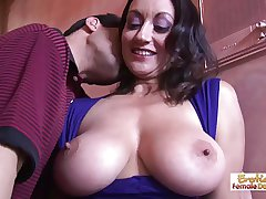 Barman can't resist this cougars huge breaking