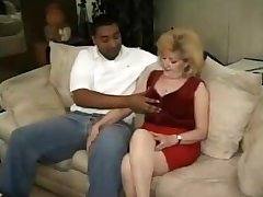 Grown up lady next way in gets her old hole plugged