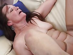 Granny slut soft on young cock