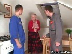 Two repairmen bang order about grandma alien both rubble
