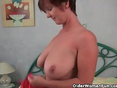 Granny loves to tease regarding say no to beamy chest together with juicy pussy