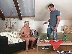 Tie the knot comes in and sees him fucking her mom