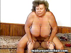 Hairy Herculean exposed mama