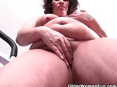 Chubby grandma in the air big tits fumbling her workout in the air a pussy rub