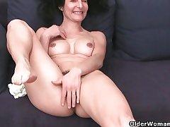 French granny Emanuelle loves detersive and masturbating