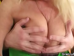 He brings gilt grandma home be expeditious for hard fuck