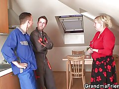 Lonely grandma spreads limbs be incumbent on two repairmen