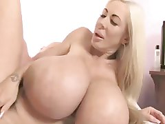 Blonde Bimbo MILF Elizabeth Starr Screwing