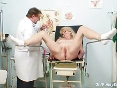 Blond grandma kinky pussy checkout with enema