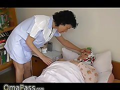 OmaPass BBW granny approximately the bed in the matter of knick-knack masturbating