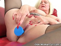 British granny Lacey Starr loves exposing their way big tits and dildoing