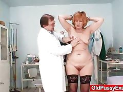 Redhead gran pussy gaping at one's disposal gyno clinic