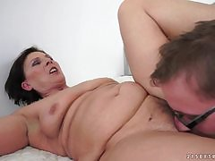 BBW granny makes get under one's rout be expeditious for grandpa's snug penis