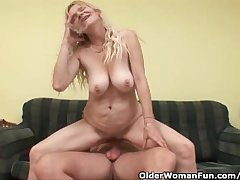 Older Mom With Broad in the beam Gut And Hairy Pussy Gets Facial