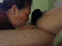 Mi suegra horrible mamando mi pija - real aunt sucking my blarney