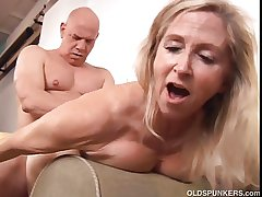 Beautiful mature blonde Annabelle Brady loves hither fuck