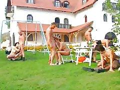 German Swinger Party im Garten