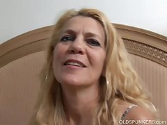 Incomparable older lady lies back increased by fucks their way juicy pussy be expeditious for you