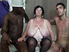 FRENCH BBW 65YO GRANNY OLGA FUCKED Off out of one's mind 2 MEN - DP