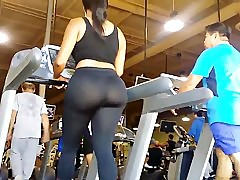 JOM: Extremely Big Ass on Treadmill!!!! regular motion