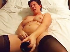 My homemade chubby porn buckle shows me jilling off