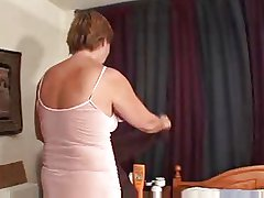 Granny shows her pussy coupled with plays toute seule mainly bed