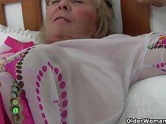 Hottest British grannies still need their unswervingly orgasm