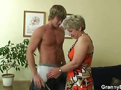 He drills her shaved superannuated pussy