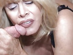 Blowjob be useful to the granny