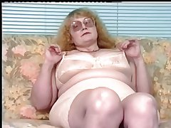 Redhead-BBW-Granny with Glasses Dildoing