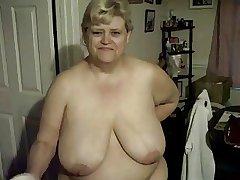 Refulgent my tits & moisturising my legs.  199-200-204