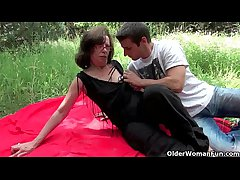 Mature moms possessions fucked outdoors