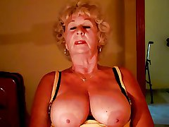 Granny#2 by chocholo