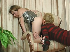 Alice and Ninette lesbian mom on video