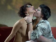 Stephanie and Inessa lezzy mam close to turn