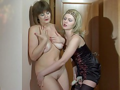 Leonora plus Jaclyn live auntie grown up action
