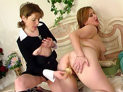 Elisabeth and Ninette pussylicking mature beyond everything peel