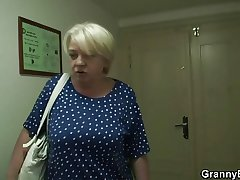 Granny gets screwed away from young guy after shopping