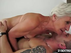 Incomparable GILF Aliz strive a bray with a obese young cock