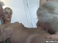 GF at hand threesome with her BF parents