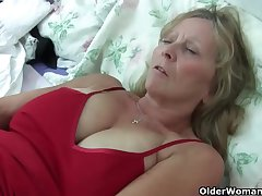 Grandma Isabel apropos their way big breasts rips open their way pantyhose
