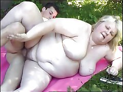 Stupendous light-complexioned granny fucked chips a picnic